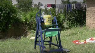 Un jeune kenyan de 9 ans a eu une idée brillante pour protéger ses proches contre le coronavirus. (FRANCEINFO)