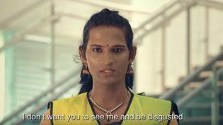 Capture d'écran montrant en Inde, une personne transgenre, travailleuse du métro deKochi, Etat du Kerala, juin 2017 (FACEBOOK / KERALA INFORMATION)