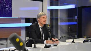 Stéphane Le Foll, ministre de l'Agriculture et porte-parole du gouvernement, le 4 janvier 2017. . (Jean-Christophe Bourdillat / Radio France)