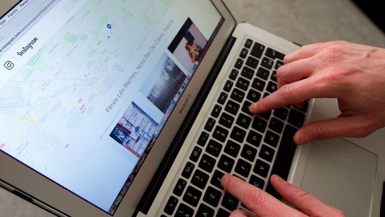 """LeHaut conseil à l'égalité (HCE) appelle à """"en finir avec l'impunité"""" des auteurs de violences en ligne à l'égard des femmes, mercredi 7 février 2018. (MAXPPP)"""