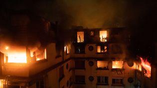 Un incendie a ravagé un immeuble d'habitation rue d'Erland, dans le 16e arrondissement à Paris, le 5 février 2019. (BENOÎT MOSER / BBSP)