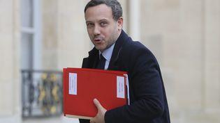 Le secrétaired'Etat chargé de l'Enfance et des Familles, Adrien Taquet, à l'Elysée (Paris), le 15 janvier 2020. (LUDOVIC MARIN / AFP)