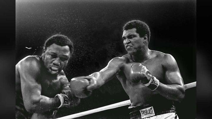 (1er octobre 1975. Mohamed Ali-Joe Frazier à Manille (Philippines). © Mitsunori Chigita/AP/SIPA)