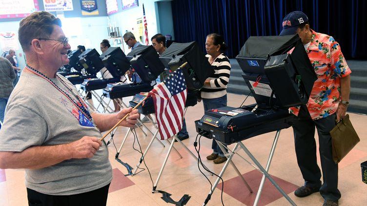 Un bureau de vote lors de l'élection présidentielle, àLas Vegas (Nevada, Etats-Unis), le 8 novembre. (ETHAN MILLER / GETTY IMAGES NORTH AMERICA)