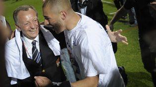 Jean-Michel Aulas et Karim Benzema le 17 mai 2008. (JEFF PACHOUD / AFP)
