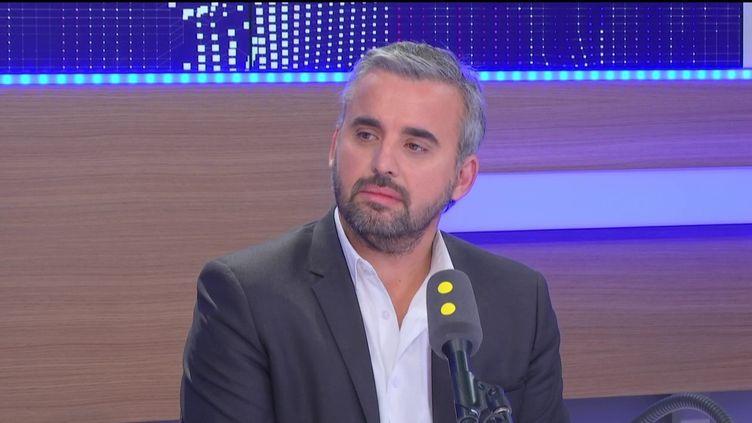 Alexis Corbière,porte-parole de Jean-Luc Mélenchon pour l'élection présidentielle de 2017, invité du 8h30 politique de franceinfo, le samedi 15 octobre 2016. (RADIO FRANCE)