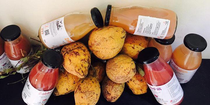 Les jus de fruits Zabbaan autour du fruit qui donne son nom à la marque (DR/Zabbaan Holding)