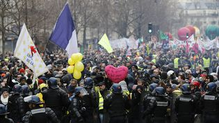 Manifestations contre la réforme des retraites du 4 janvier 2020, à Paris. (FRANCOIS GUILLOT / AFP)