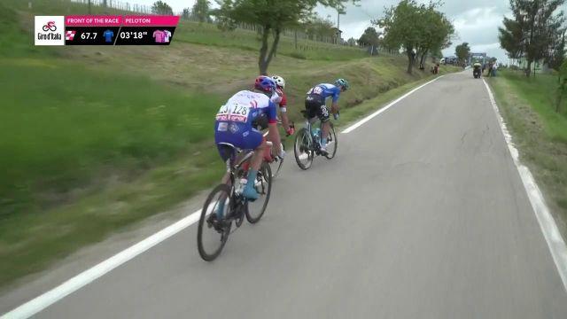 Dans l'ascension du col de Piancanelli pour la 3e étape du Tour d'Italie, l'Italien Vincenzo Albanese (Eolo-Kometa) passe en tête au sommet et accroît son avance pour le maillot bleu du meilleur grimpeur.