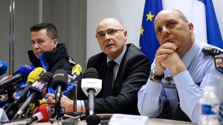 Le procureur de la République de Marseille, Brice Robin, tenait sa première conférence de presse à Marignane,après le crash de l'Airbus dans les Alpes, le 26 mars 2015. (FRANCK PENNANT / AFP)