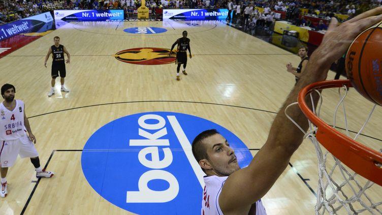 Nemanja Bjelica a inscrit le shoot de la victoire contre l'Allemagne  (JOHN MACDOUGALL / AFP)