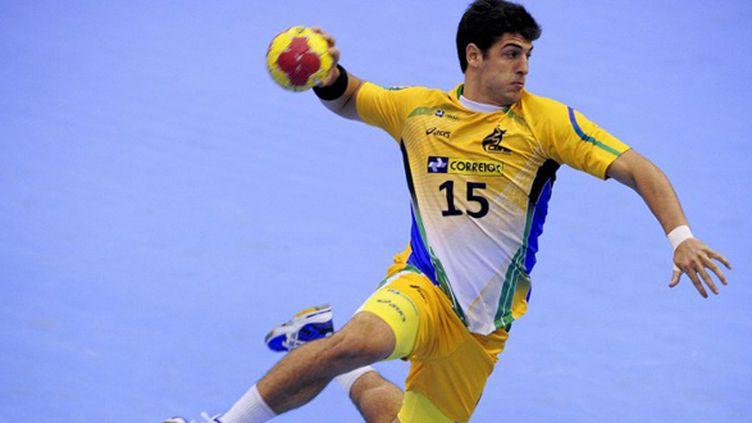 L'arrière droit brésilien Arthur Patrianova