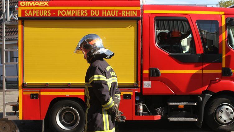 L'appartement a pris feu vers 18 heures à Fontenay-sous-Bois (Val-de-Marne). (Photo d'illustration) (JEAN-FRAN?OIS FREY / MAXPPP)