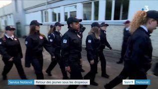 Jade Sébastien et d'autres volontaires pour le service national universel (France 3)