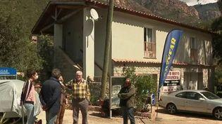 Corse : mobilisation citoyenne après l'avis d'expulsion d'un couple de seniors (France 2)