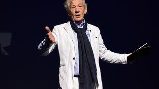 """Ian McKellen à Moscou en 2016. Il incarne le magicien Gandalf dans la trilogie """"Le seigneur des anneaux"""". (EKATERINA CHESNOKOVA / SPUTNIK)"""