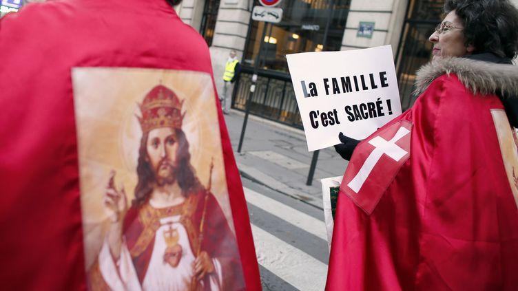 Manifestation de Civitas contre le mariage pour tous, le 18 novembre 2012 à Paris. (KENZO TRIBOUILLARD / AFP)