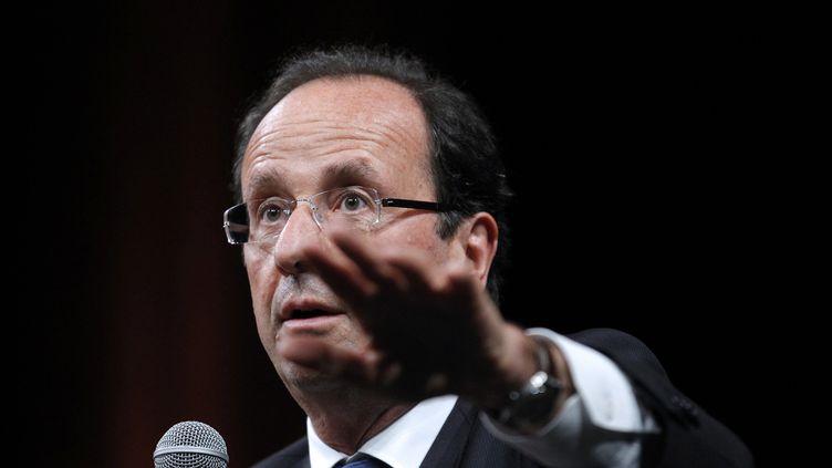 François Hollande lors d'un débat à Nantes, le 19 janvier 2012 à Nantes. (PATRICK KOVARIK / AFP)