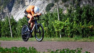 La NéerlandaiseEllen van Dijk lors du contre-la-montre des Championnats d'Europe sur route, jeudi 9 septembre 2021. (ALBERTO PIZZOLI / AFP)