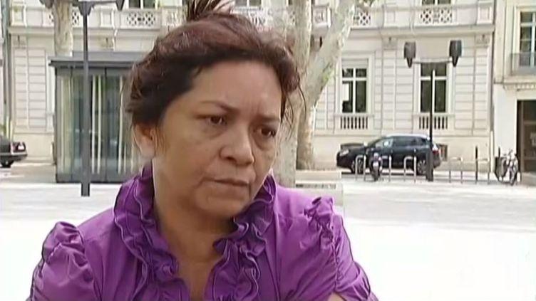 Rosana de Oliveira Alves, la sœur de Simone, ex-amante de Francisco Benitez, le 8 août 2013. ( FRANCE 2 / FRANCETV INFO)