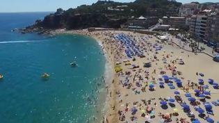 Les promoteurs immobiliers construisent toujours plus d'immeubles sur la Costa Brava, en Catalogne. La machine s'emballe. (France 2)