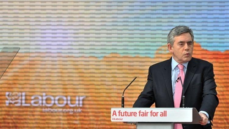 Gordon Brown (ici à Birmingham le 12-4-2010) pourra-t-il se maintenir au 10 Downing Street à l'issue des élections ? (AFP - Leon Neal)