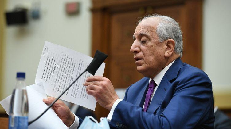 Zalmay Khalilzad, représentant spécial sur la réconciliation en Afghanistan, lors d'une audition à Washington, le 18 mai 2021. (MANDEL NGAN / AFP)