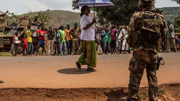 Un soldat français de l'opération Sangaris, le 11 février 2014 à Bangui (Centrafrique). (LAURENCE GEAI / NURPHOTO / AFP)