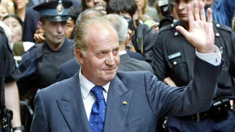 Le roi d'Espagne Juan Carlos lors d'une visite officielle à Buenos Aires, en Argentine, le 12 novembre 2003 (AFP / Ali Burafi)