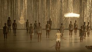 """Le """"Lac des Cygnes"""" revisité dans une version contemporaine par Radhouane El Meddeb pour l'Orchestre National du Rhin  (France 3)"""