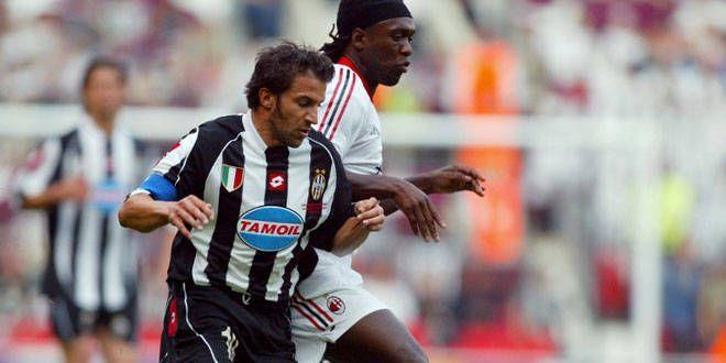 Alessandro Del Piero à la lutte face au Milanais Clarence Seedorf. A la fin c'est le Milanais qui va l'emporter.