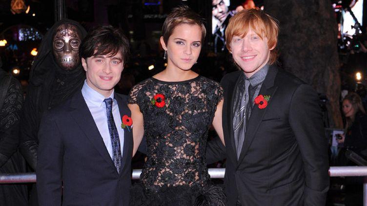 (Daniel Radcliffe, Emma Watson et Rupert Grint à la première mondiale de l'ultime volet, Harry Potter et les Reliques de la Mort. © MaxPPP / Alpha-Karwai Tang)