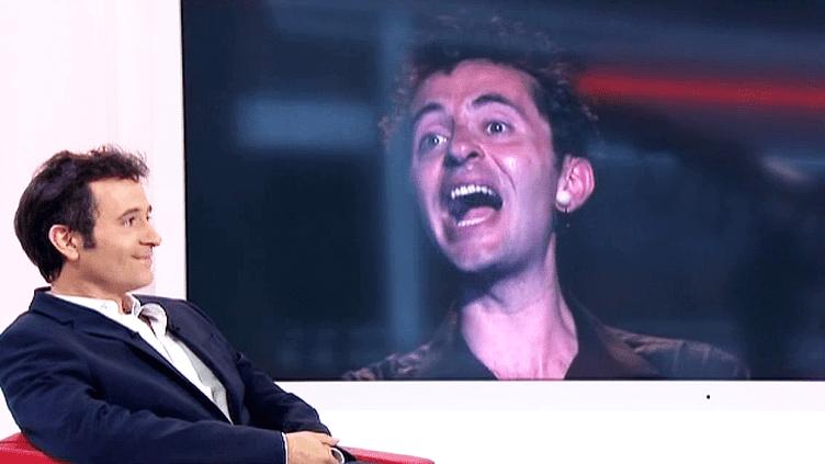 """L'humoriste Olivier Giraud invité sur le plateau de France 2 pour son spectacle """"Comment devenir un parisien en une heure""""  (France 2 / Culturebox)"""