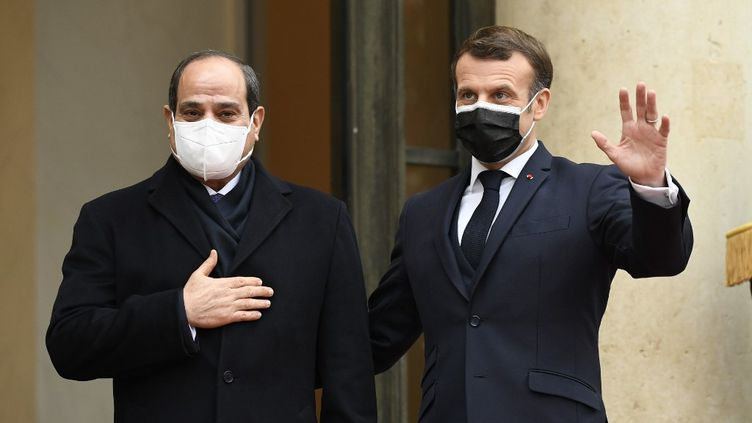 Le président égyptienAbdel Fattah al-Sissi et le président Emmanuel Macronà l'Elysée, à Paris, le 7 décembre 2020. (BERTRAND GUAY / AFP)