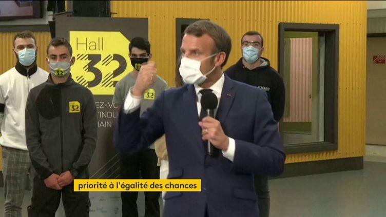 Emmanuel Macron dans un lycée du Puy-de-Dôme (FRANCEINFO)
