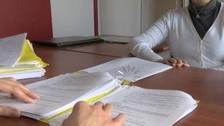 Emploi : enchaîner les contrats courts (FRANCE 2)