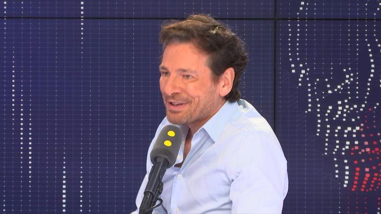 """Le directeur de franceinfo TV dit croire au """"pluralisme, à la concurrence dans l'information"""". (FRANCEINFO / RADIOFRANCE)"""