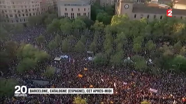 Catalogne : des milliers de Catalans manifestent pour dénoncer les violences policières