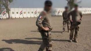 Dans les environs de Bagdad (Irak), des soldats français entraînentleurs homologues irakiens contre l'Etat islamique, septembre 2016. (FRANCE 2)