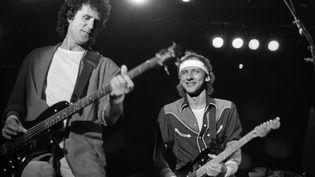 Dire Straits à Madrid le 3 juin 1985 : John Illsley et Mark Knopfler (Rafael Pascual / EFE / Newscom / MaxPPP)