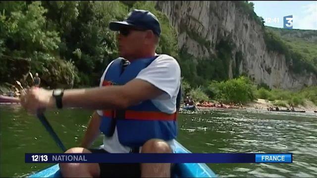 Vacances : quand la gendarmerie veille en canoë