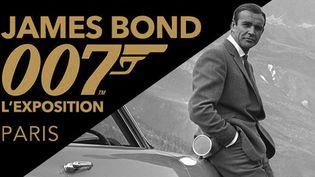 Affiche de l'exposition James Bond à La Villette, Paris, représentant Sean Connery  (© 1962-2016 Danjaq, LLC and United Artists Corporation (logo 007) and related James Bond Trademarks are Trademarks of Danjaq, LLC. All Rights Reserved)