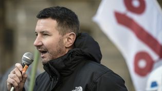 Olivier Besancenot, le 12 février 2018 à Paris. (STEPHANE DE SAKUTIN / AFP)