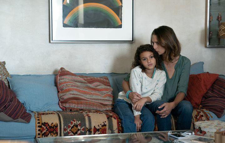 "Lilou Siauvaud (Maya) et Camille Cottin (Virginie) dans ""Stillwater"" (2021) (JESSICA FORDE / FOCUS FEATURES / LLC)"