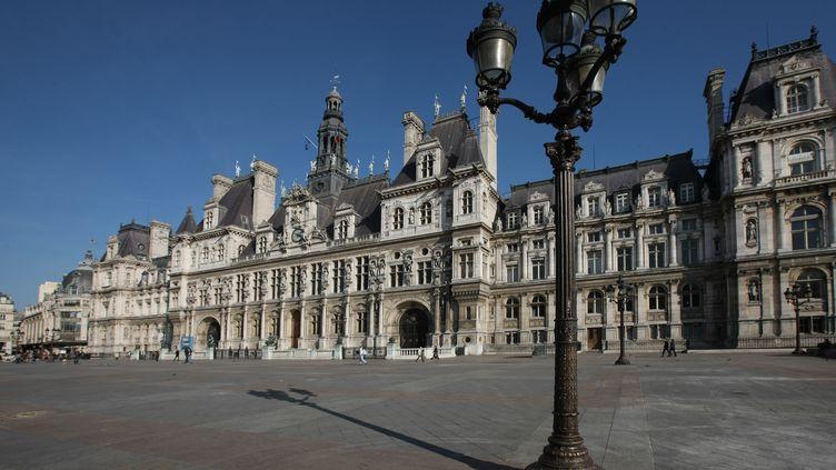 La place de l'Hôtel de ville, à Paris, en 2011. (PHOTO12 / GILLES TARGAT / AFP)