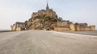 Le Mont Saint-Michel déserté de ses touristes pour cause de confinement, le 20 mars 2020 (JEAN-MARC DAVID / SIPA)