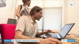 Les Asperger, des techniciens recherchés. (FRANCE 3)
