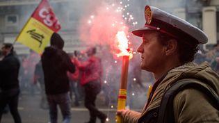 Les cheminots manifestent jeudi 22 mars 2018 à Paris. (MAXPPP)