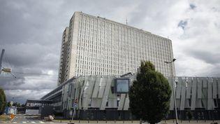 Le CHU de Caen a été l'un des lieux pillés par le cocaïnomane (photo d'archives, du 12 septembre 2012). (CHARLY TRIBALLEAU / AFP)