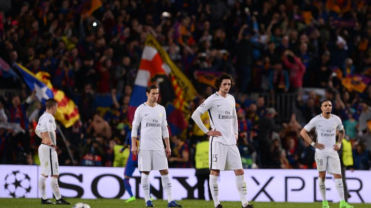 Les Parisiens ne peuvent que constater les dégâts au Camp Nou, défaits 6-1 le 8 mars 2017 par le Barça (JOSEP LAGO / AFP)